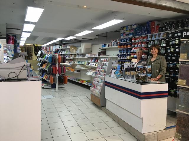 Commerces bureau informatique presse tabac apt gcapa for Meuble bureau tabac